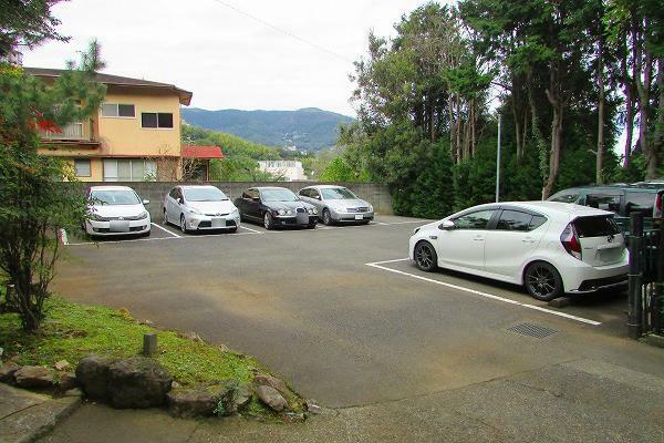 駐車場 月極で9台貸出可能