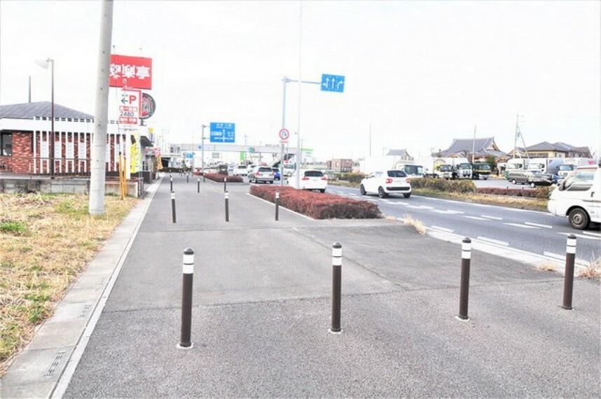 現況写真 7.5mの歩道を挟んで国道16号です。