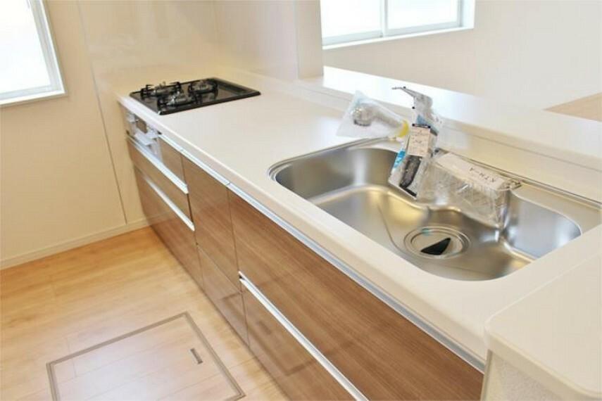 キッチン 浄水器内蔵型ハンドシャワーは自動クリーニングでいつでもキレイなカートリッジ【写真は同仕様】