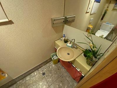 トイレ   1階店舗用トイレ内の手洗い場