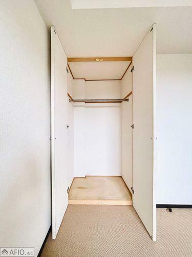 収納 大きなクローゼットには、季節物の衣類などまとめて収納でき、お部屋を広く使えます!