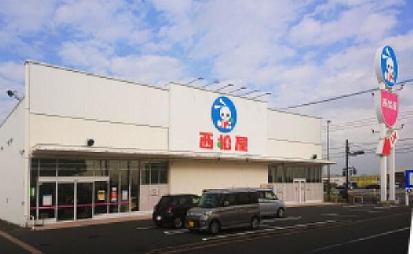 ショッピングセンター 子ども服・ベビー服・ベビー用品・離乳食など西松屋には様々な商品が豊富に揃っています[分譲地から約2200m](2019年12月撮影)