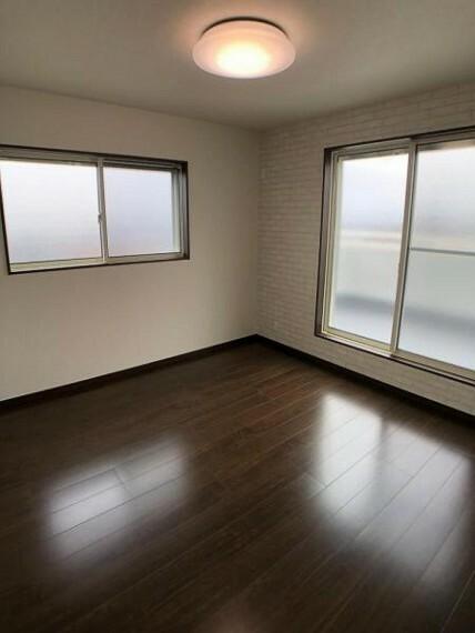 寝室 洋室6.1帖:シンプルなお部屋は自分好みにアレンジが可能です!
