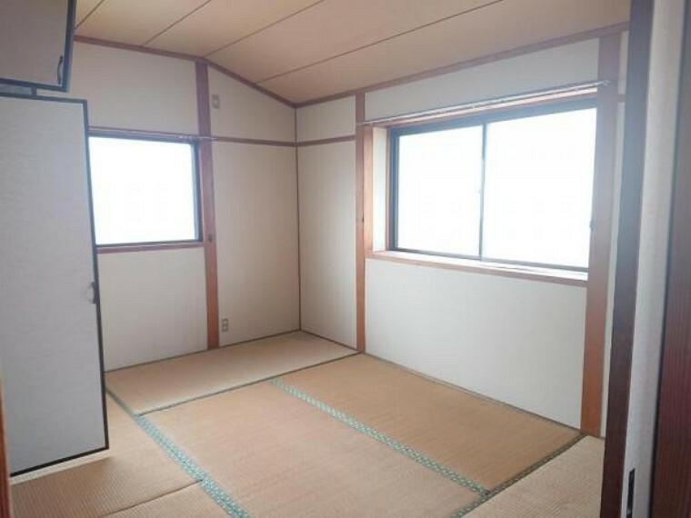 【リフォーム前写真】2階西側の和室は洋室へと間取り変更を行います。寝室や子供部屋などにいかがでしょうか。