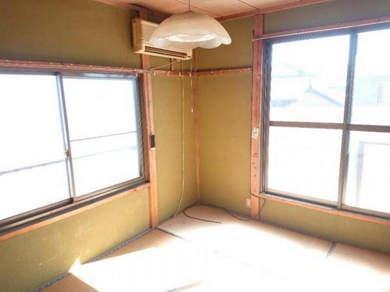 【リフォーム中3/20撮影】2階西側和室の写真です。洋間に変更します。床張替え、建具交換、クロス張替え、照明交換を行い、明るく清潔なお部屋に生まれ変わりますよ。