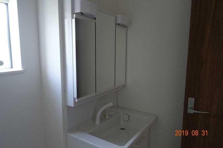 洗面化粧台 (参考画像)同一業者様の物件画像です。(実際の物件とは異なります。)
