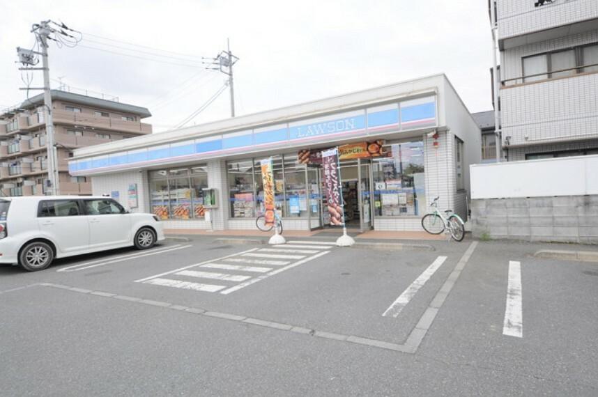 コンビニ ローソン東所沢和田一丁目店