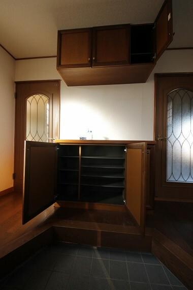 収納 シューズボックスが頼もしく玄関を広々と使えます。