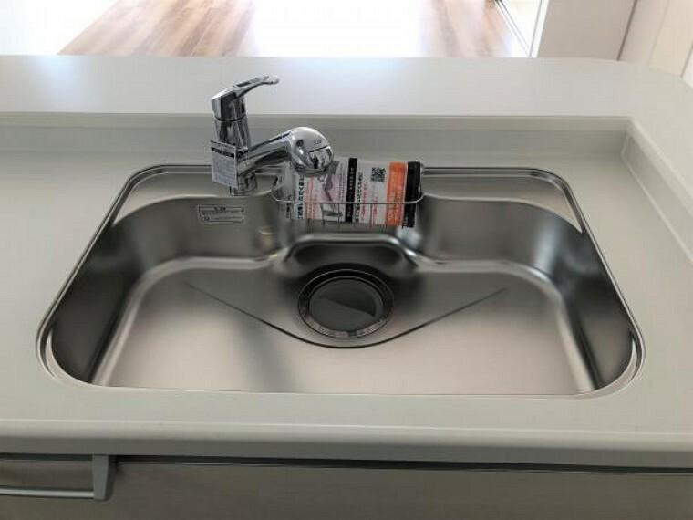 キッチン 【キッチン】ボタン一つで切り替え可能な浄水器一体の水栓!