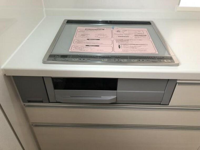 キッチン 【キッチン】火を使わないIHクッキングヒーターで、安全性も高くお掃除も楽々!