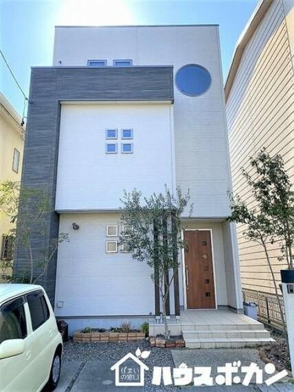 現況写真 刈谷市沖野町より中古住宅のご紹介です! 収納豊富なオール電化住宅です