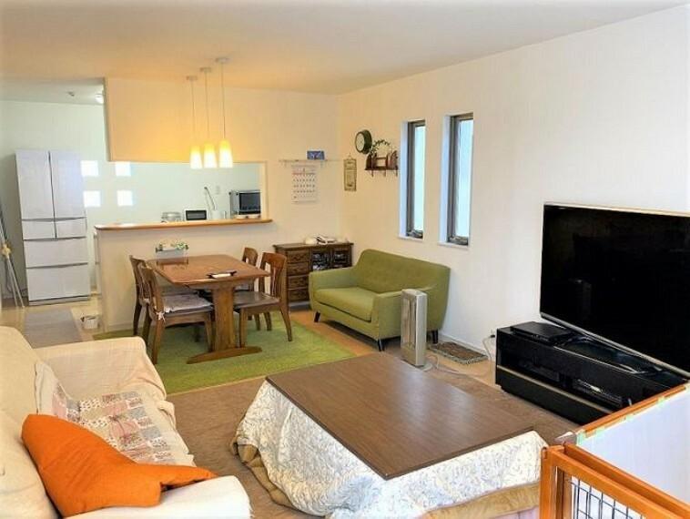 居間・リビング LDKは19帖あり広々!2階にあるので外からの目線を気にせずにおくつろぎ頂けます
