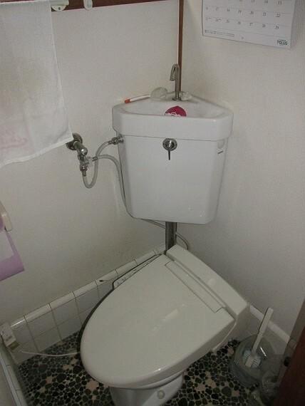 トイレ 2階トイレにもウォシュレット機能付きです