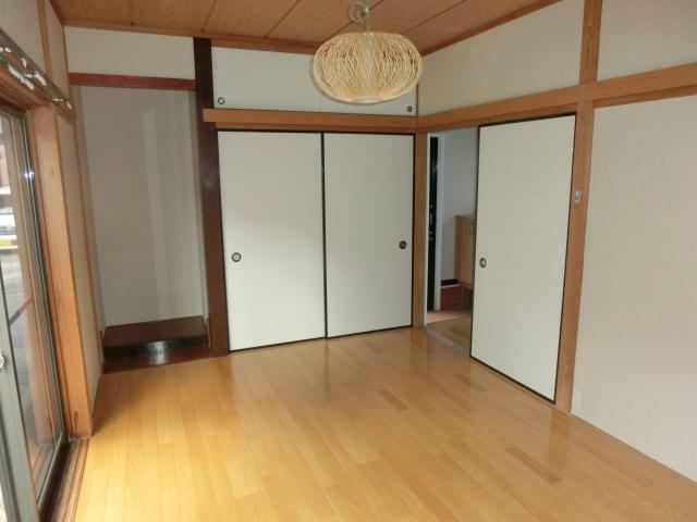 洋室 1階6帖洋室