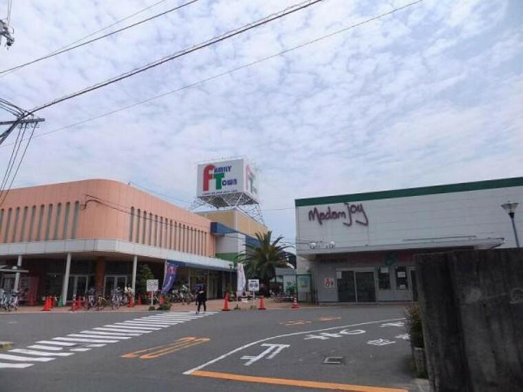 ショッピングセンター ファミリータウン広電楽々園