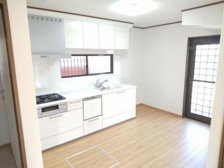 キッチン 【リフォーム済】ハウステック製のキッチンを設置致しました。