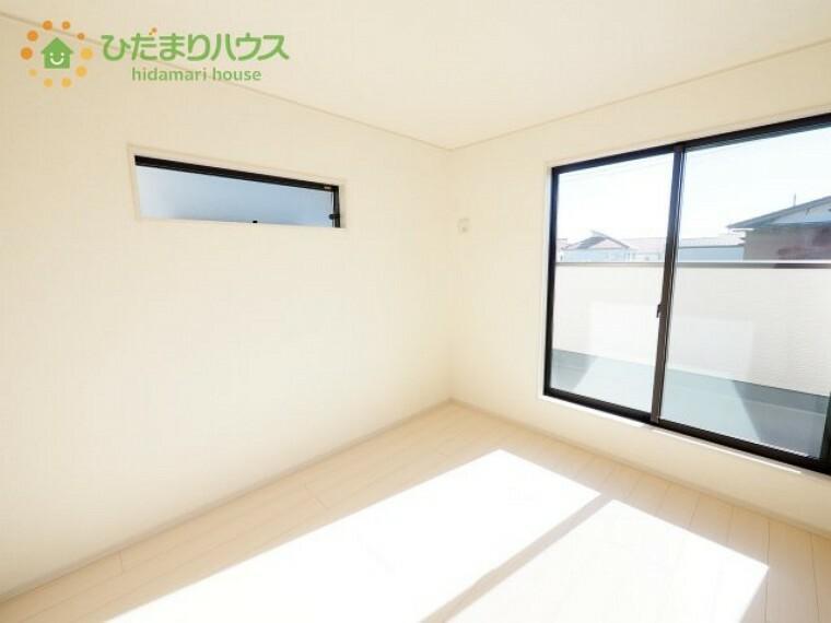 洋室 白を基調とした開放感あふれるルームデザイン(^^)/