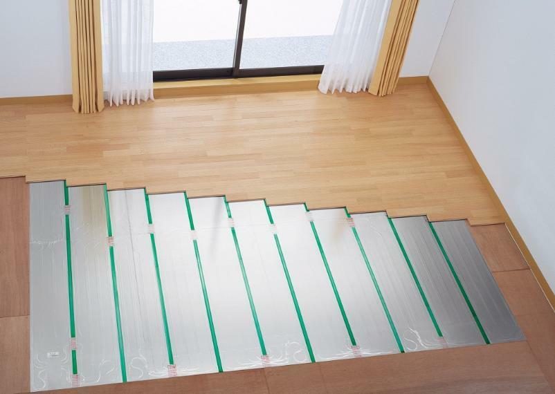 冷暖房・空調設備 リビング・ダイニング ガス温水床暖房