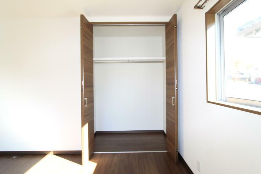 収納 各居室には収納がございますのでお部屋の中をスッキリ整頓できます○枕棚も付いて収納力アップ!