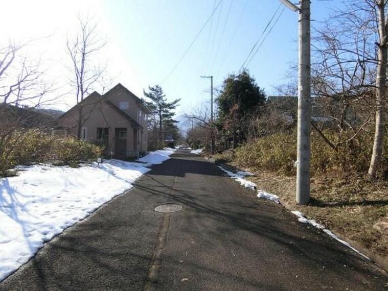 現況写真 南側の前面道路です。