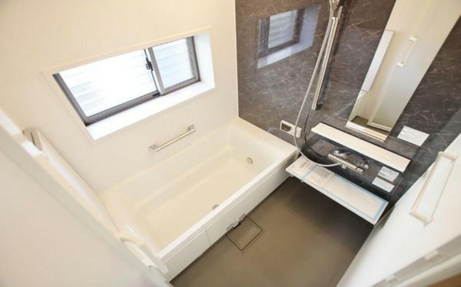 浴室 新設のゆったり1坪タイプユニットバス。