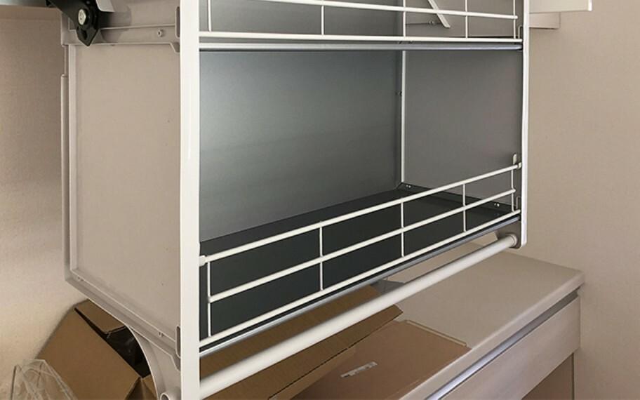 キッチン 現地写真:昇降吊戸棚(1号棟)