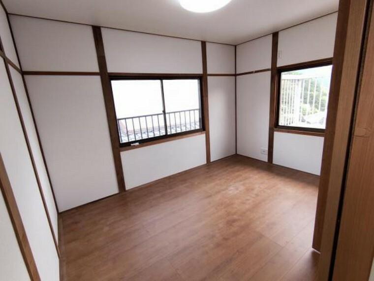洋室 【リフォーム済】2階東側6帖の洋室です。