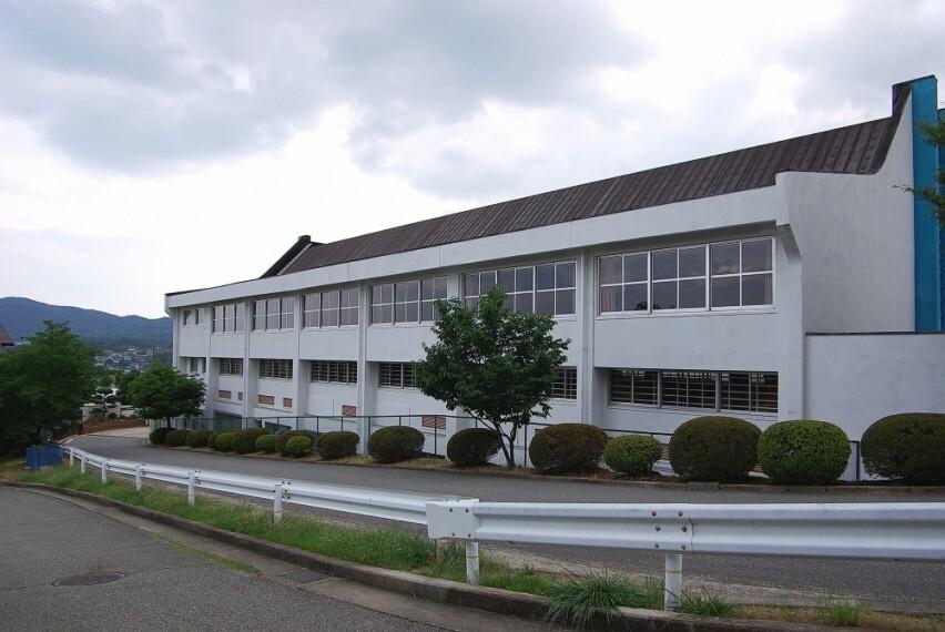 中学校 【中学校】川西市立多田中学校まで2411m