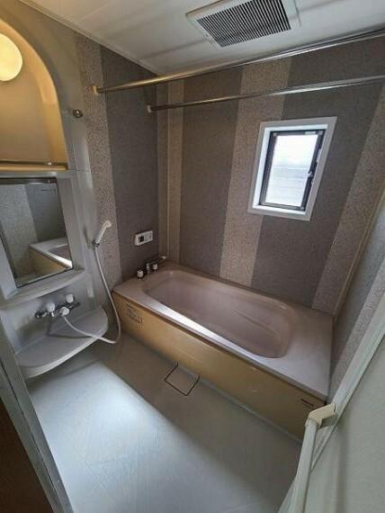 浴室 浴室乾燥暖房機付きで毎日快適なバスタイム!