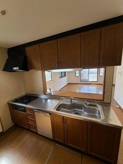キッチン 床下収納完備!豊富な収納力で調理器具もしっかり片付きます!