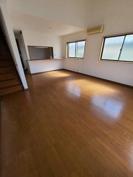居間・リビング リビング:ゆったりとくつろげる憩いの空間!