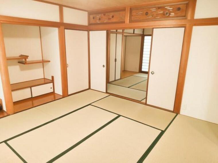 【リフォーム中】畳はすべて表替えを行います。イグサの香りに癒されながらごろ寝が出来る和の空間は小さなお子様にもご年配の方にもくつろぎの場になるので1室あると嬉しいですね。
