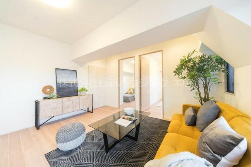 居間・リビング 新築未入居物件・4つのルーフバルコニー付のお部屋です!お買い替え相談も随時承っておりますので、お気軽