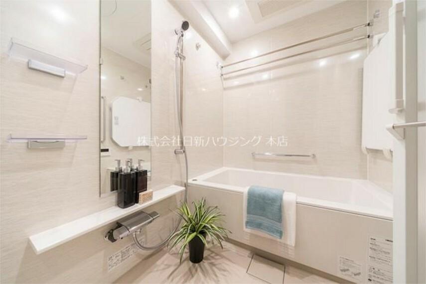 浴室 【ユニットバス】追い炊き機能、浴室乾燥等の機能が付いたユニットバス。