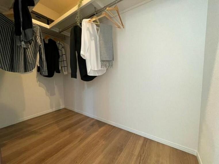 ウォークインクローゼット 収納スペースは各室にあり便利です