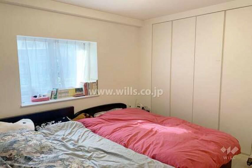 西側洋室約7.0帖。寝室としても子供部屋としても十分な広さです。[2021年3月12日撮影]