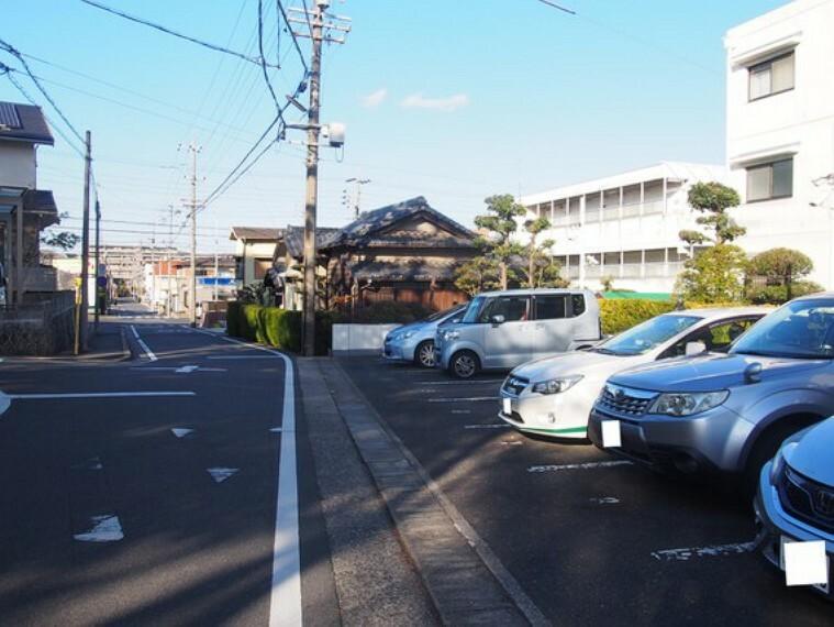 現況写真 周辺はのんびりした住宅街が広がっています。