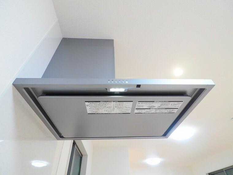 キッチン 蛇口で温度調整ができるので、いつもお好みの温度で使用できるのが嬉しいですね