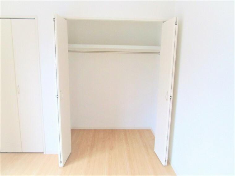 同仕様写真(内観) 収納 同仕様 全居室に収納付きでお部屋がスッキリお使いいただけます