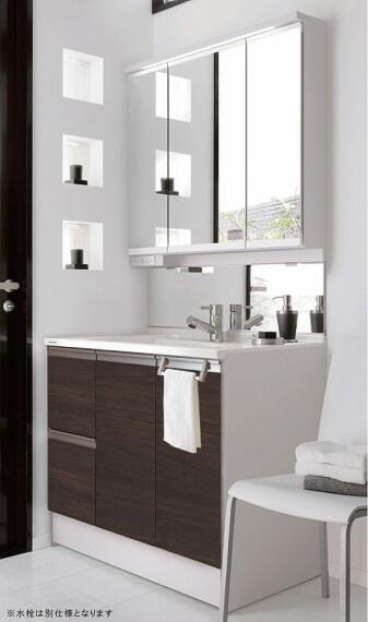 【洗面化粧台】パナソニック  広くておそうじしやすく、家族みんなが使いやすいパナソニックの洗面化粧台。収納機能も充実しています。