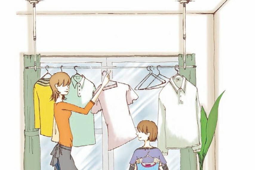 【室内物干し】  天候に左右されずに洗濯物が干せるよう、室内物干しを主寝室に設置。共働きで外に干しっぱなしできないときでも室内に干せるので安心です。※4号棟はファミリーホールに設置。
