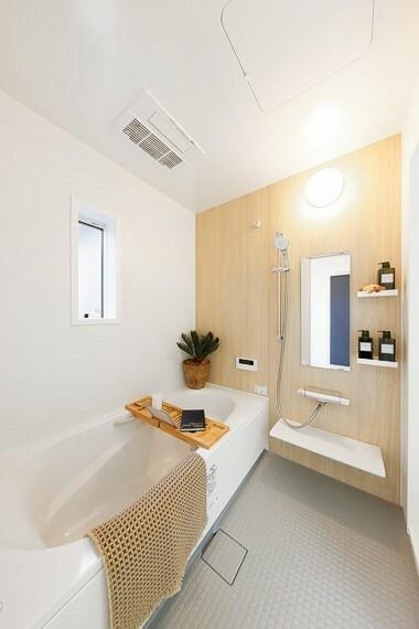 浴室 グランマーレ船橋二和向台 モデルハウス街区/浴室  雨の日に洗濯干しもできる、浴室暖房乾燥機付。広々として浴室で毎日の疲れを癒せます。(2021年4月撮影)