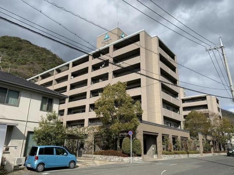 外観写真 【外観写真】こちらのマンションは7階建てです。一番館と二番館、2棟マンションがあり、弊社所有のお部屋は一番館の2階のお部屋です。