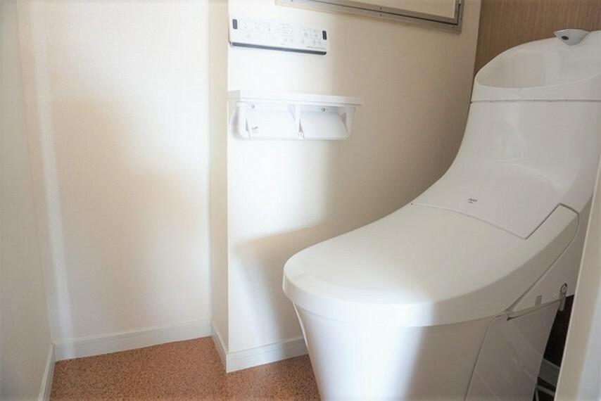 トイレ ウォシュレット付の高機能トイレです。