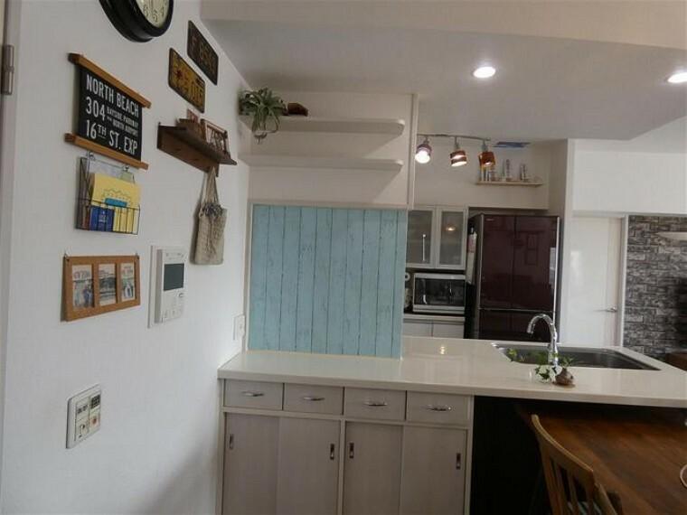 収納 キッチンカウンターの下に収納があり、大変便利です