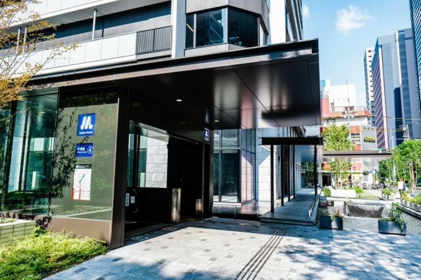 外観写真 【Metoro出入口】大阪市内の主要エリアを網羅する、御堂筋直結・駅直上!