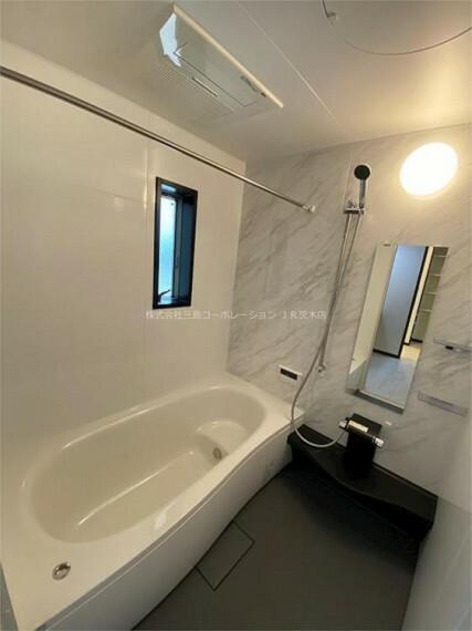 浴室 浴室暖房乾燥機(カワック)施工済みです。雨の日や梅雨時期のお洗濯にも困りません!