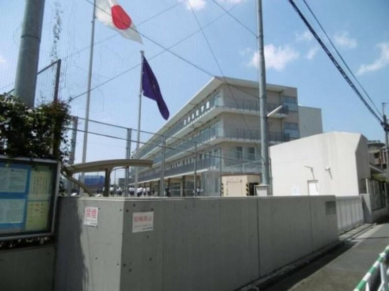 小学校 渋谷本町学園:小中一貫校・通学に便利な徒歩9分(704m)