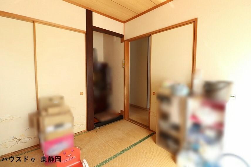 和室 4.5帖和室。いつでもごろんと寝転がれるようなスペースがある暮らしでリラックスができますね。