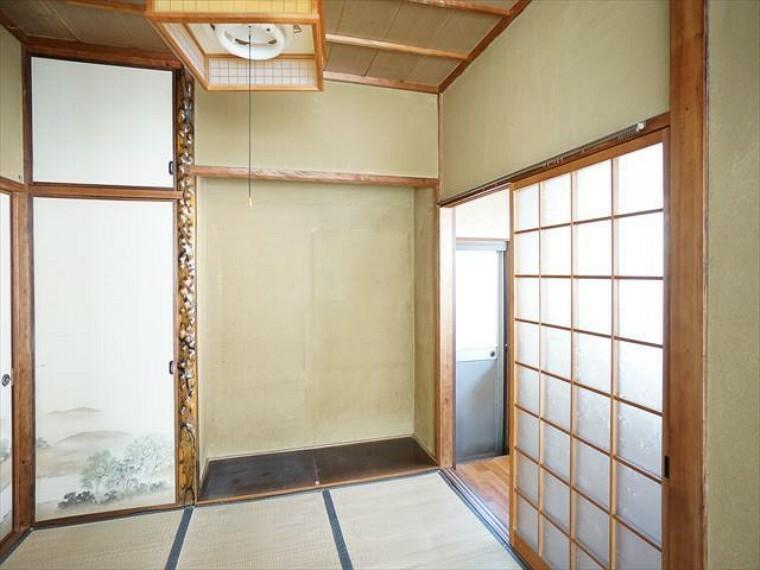 和室 床の間のある和室。